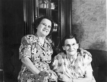 Bertha and Phoebe Thomas Tibbits
